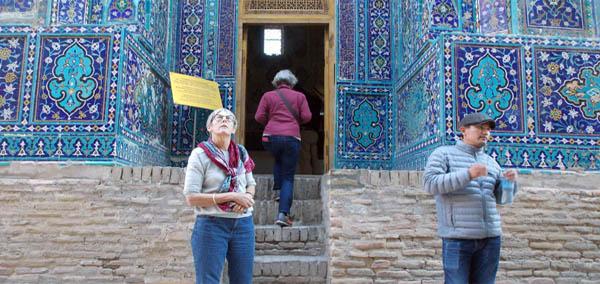 Guide & Guests Uzbekistan Tour