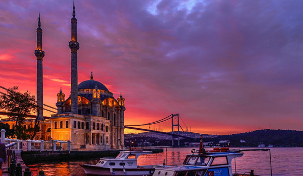 Sunset in Istanbul 600x350