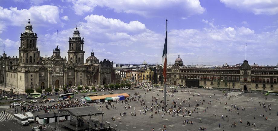 Zocolo Mexico Tour